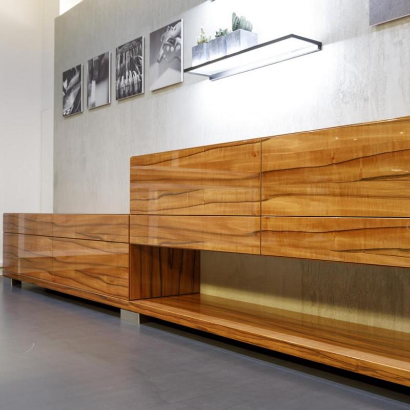 Desgin Sideboardmöbel in Furnier lackiert, warendorf die Küche, Partner von hp. mülller ag schreinerei, küche bad wohnen, massgeschreinertes wohnen, Ihr Schreiner in St.Gallen