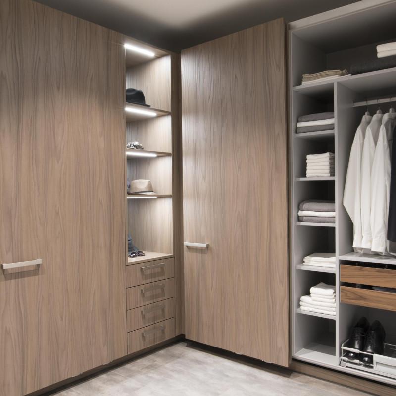 Exklusive Eck-Garderobe, warendorf die küche, hp. mülller ag schreinerei, küche bad wohnen, massgeschreinertes wohnen, Ihr Schreiner in St.Gallen
