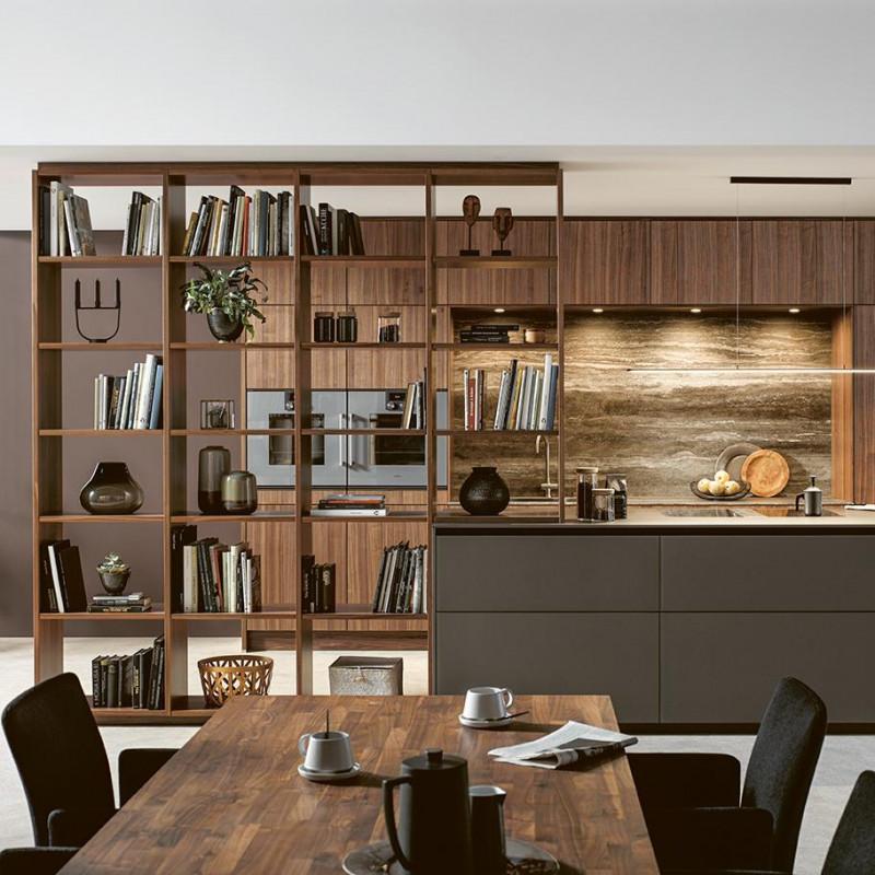 Küche integriert mit einem offenem Holzregal, Next125 Partner von hp. mülller ag schreinerei, küche bad wohnen, massgeschreinerte küche, Ihr Küchenbauer in St.Gallen