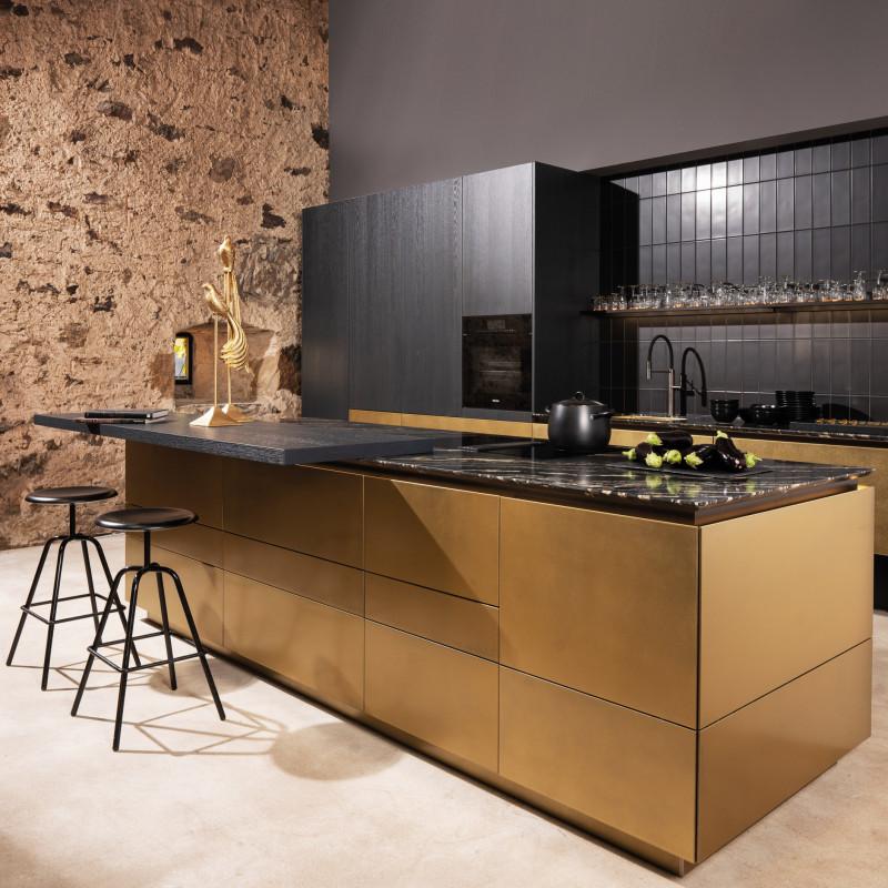 Küche mit Gold Fronten, warendorf - die küche ein Partner von hp. mülller ag schreinerei, küche bad wohnen, massgeschreinerte küche, Ihr Küchenbauer in St.Gallen