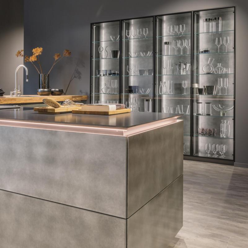 Küche in steel, Next125 Partner von hp. mülller ag schreinerei, küche bad wohnen, massgeschreinerte küche, Ihr Küchenbauer in St.Gallen